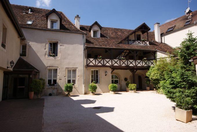 15661-cour-interieure-mai-2011-018