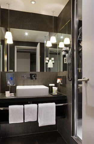 20808-Salle-de-bain-Superieure-ou-Privilege