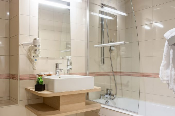 2303-hotel-wilson-2910-salle-de-bain-3-opt