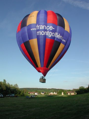 23494-Decollage-montgolfiere-France-Montgolfieres