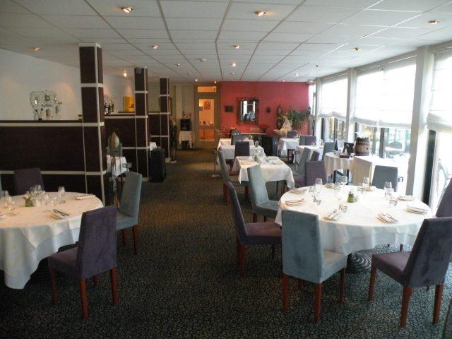 23857-restaurant-2012-3-