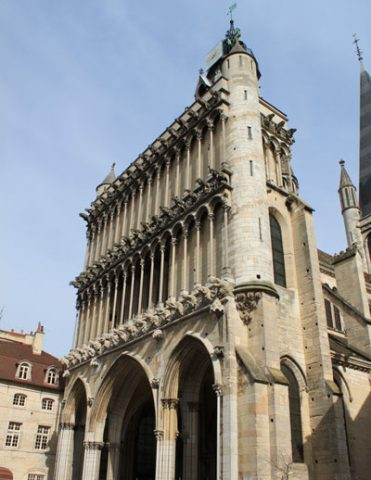 300—Eglise-Notre-Dame