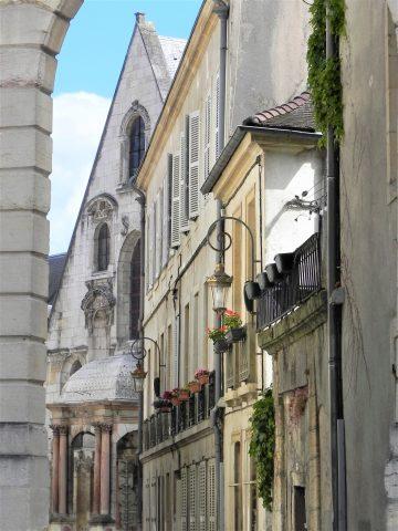 Rue-du-Palais–Blandine-Legendre