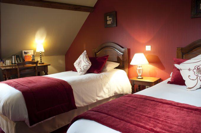 chambre-2-lits-hotel-wilson-dijon