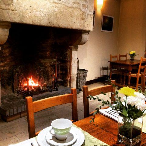 salle-petit-dejeuner-feu-hotel-wilson-dijon