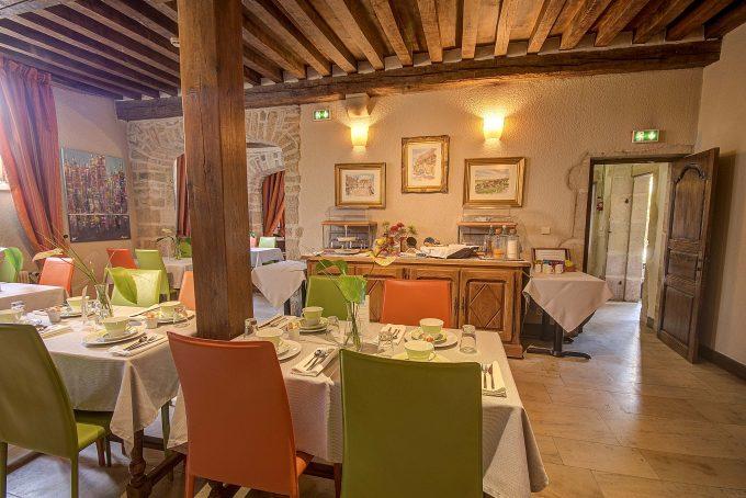 salle-petit-dejeuner-hotel-wilson-dijon-1